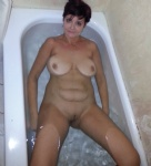 Caught HouseWhore takin her bath this morning and thout you may enjoy her w...