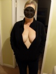 A nice deep cleavage shot, i hope you agree