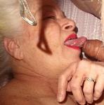 that tongue!!